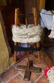 Spinning Wheel Wooden