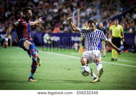 VALENCIA, SPAIN - SEPTEMBER 21: De la Bella with ball during Spanish La Liga match between Levante UD and Real Sociedad at Ciudad de Valencia Stadium on September 21, 2017 in Valencia, Spain