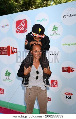 LOS ANGELES - SEP 23:  Essence Atkins, Varro Mendez at the 6th Annual Red CARpet Safety Awareness Event at the Sony Pictures Studio on September 23, 2017 in Culver City, CA
