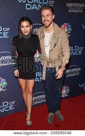 LOS ANGELES - SEP 19:  Jenna Dewan Tatum and Derek Hough arrives for the premiere of