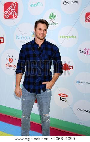 LOS ANGELES - SEP 23:  Matt Lanter at the 6th Annual Red CARpet Safety Awareness Event at the Sony Pictures Studio on September 23, 2017 in Culver City, CA