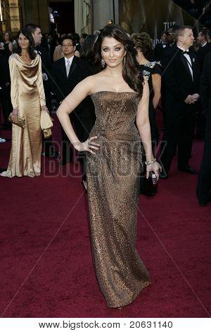 LOS ANGELES - FEB 27:  Aishwarya Rai arrives at the 83rd Annual Academy Awards - Oscars at the Kodak Theater on February 27, 2011 in Los Angeles, CA.