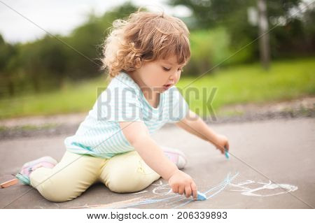 Cute Toddler Girl Drawing Witj Piece F Color Chalk