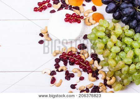 Grapes And Cheese Set