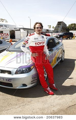 LOS ANGELES - APR 05:  Kim Coates attending the 35th annual Toyota Pro/Celebrity Race Press Practice Day in Long Beach, California on April 5, 2011.