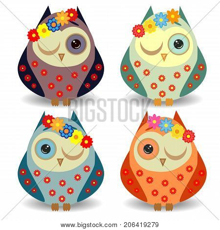 A Set Of 4 Lovely Owls With Long Eyelashes In Wreaths Of Flowers, In Different Color Variations In Y