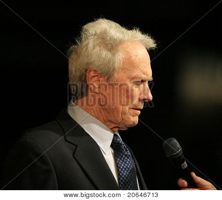 BURBANK - DEC 9: Clint Eastwood at the world premiere of 'Gran Torino' at the Steven J Ross Theater in Burbank, California on December 9, 2008.