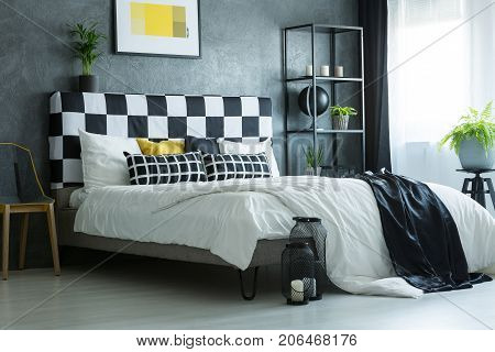 Contrast Color King-size Bed