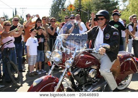 TRABUCO CANYON - OCT 21: Governor Arnold Schwarzenegger arrives to campaign at a biker rally held in support of U.S. troops & their families, in Trabuco Canyon, CA on October 21, 2006.
