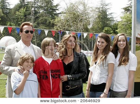LOS ANGELES - APR 2: Arnold Schwarzenegger, Maria Shriver, their children Christopher, Patrick, Katherine, Christina at the softball game before a premiere at UCLA in Los Angeles, CA on April 2, 2006