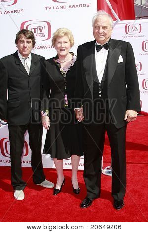 SANTA MONICA - JUNE 8:  Garry Marshall arrives with wife Barbara Marshall and son Scott Marshall at the 6th annual TV Land Awards held at the Barker Hanger in Santa Monica, California on June 8, 2008