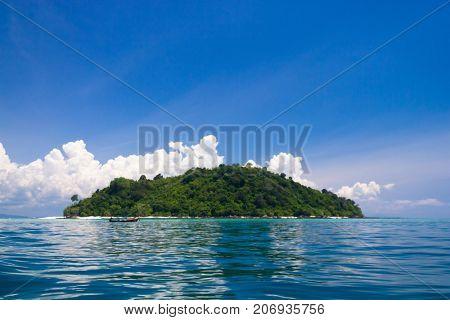Exotic Getaway Green Pinnacle