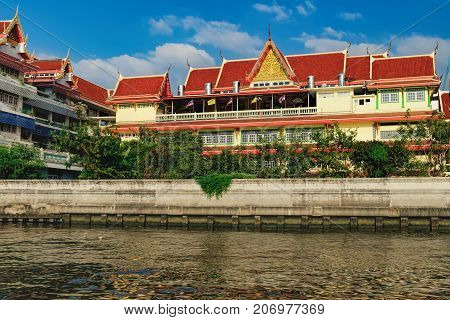 Wat Soi Thong in Bangkok, Thailand. The temple is on the banks of the Chao Phraya River in Bang Sue district in northern Bangkok along the regular route of the Chao Phraya river boats.