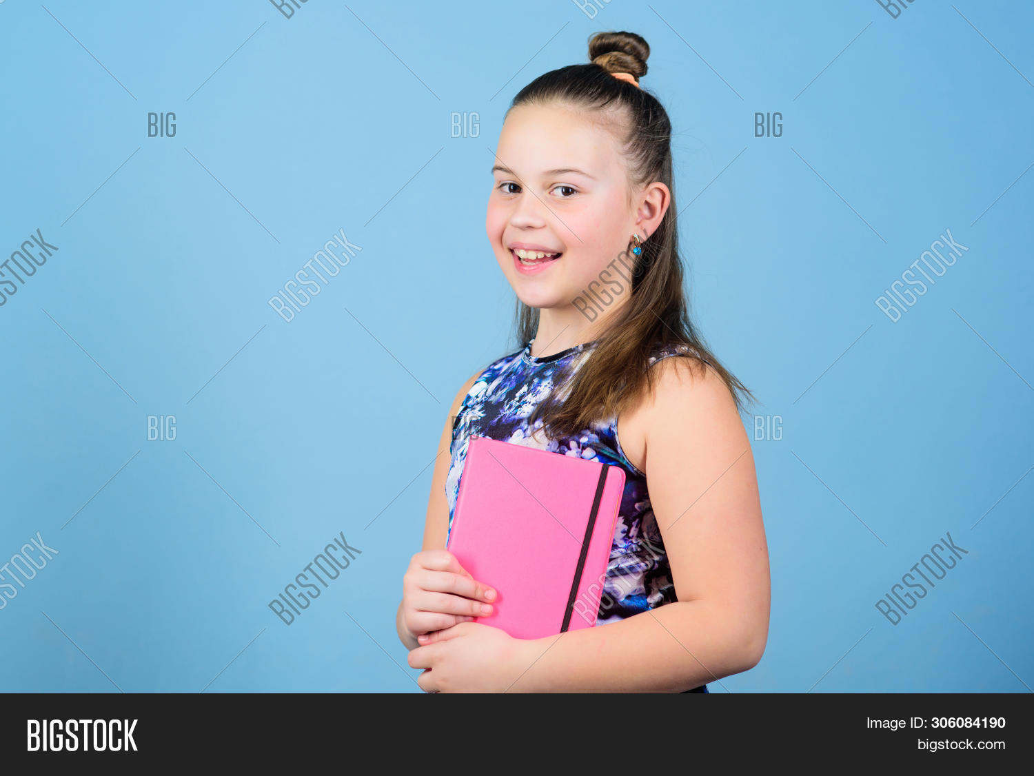 Small Girl Pink Note Image & Photo (Free Trial)   Bigstock