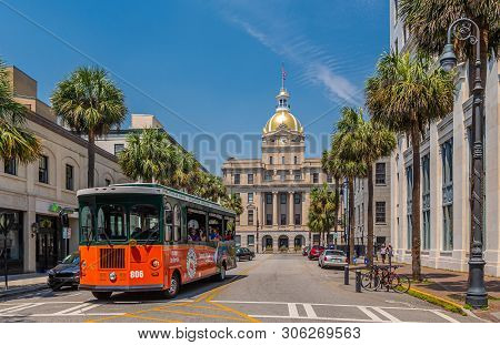 Savannah, Georgia - April 28, 2019: Savannah Is The Oldest City In Georgia. From The Historic Archit