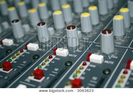 Mixing Board Panning Knobs