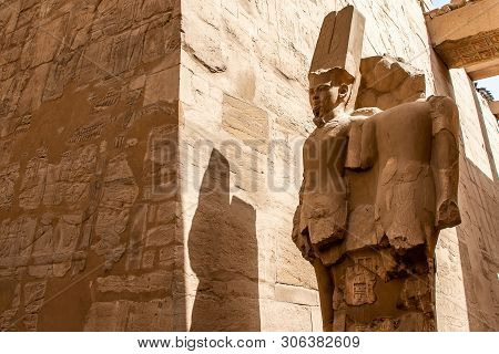 Anscient Temple Of Karnak In Luxor - Archology Ruine Thebes Egypt Beside The Nile River
