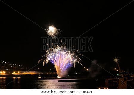 6552 Fireworks