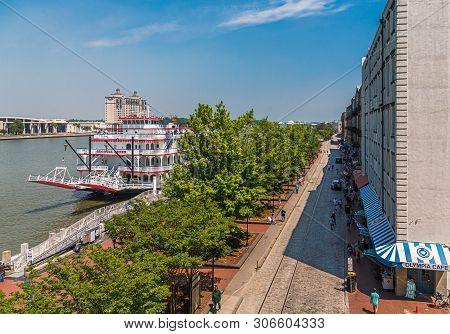 Savannah, Georgia - April 28, 2019: Savannah Is The Oldest City In Georgia. From The Historic Archit