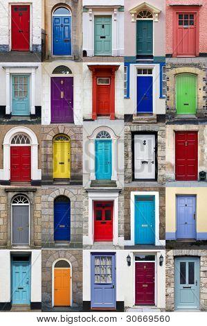 Uma colagem de fotos de 25 portas coloridas casas e casas