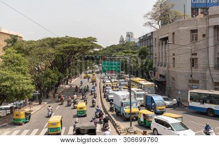 Bangalore, Karnataka India-june 04 2019 : Aerial View Of Green Traffic Light Or Signal With Moving V