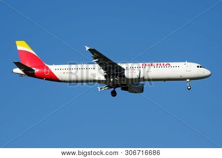 Iberia Airlines Airbus A321 Ec-ixd Passenger Plane Landing At Madrid Barajas Airport