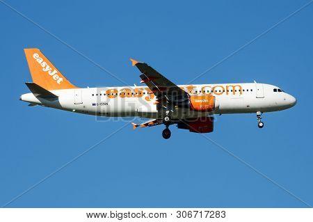 Easyjet Airbus A320 G-ezun Passenger Plane Landing At Madrid Barajas Airport