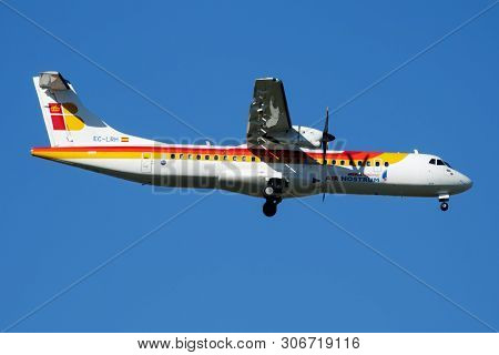 Iberia Regional Air Nostrum Atr-72 Ec-lrh Passenger Plane Landing At Madrid Barajas Airport