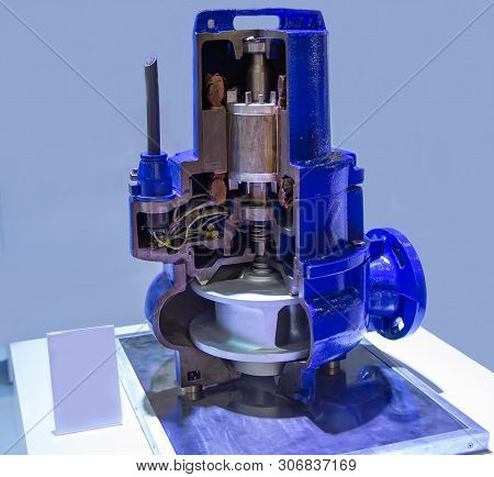 Cut Away Industry Vertical Submersible Motor Pump