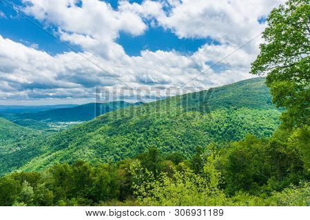 Loft Mountain Overlook In Shenandoah National Park In Virginia, United States
