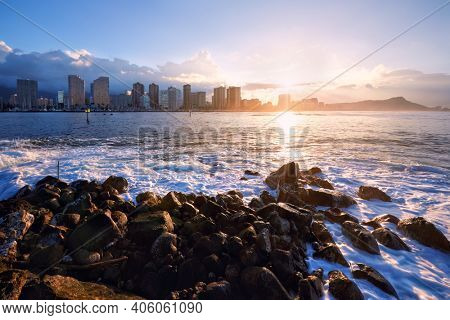 sunrise over Waikiki beach and Diamond Head, Honolulu, Oahu, Hawaii, USA