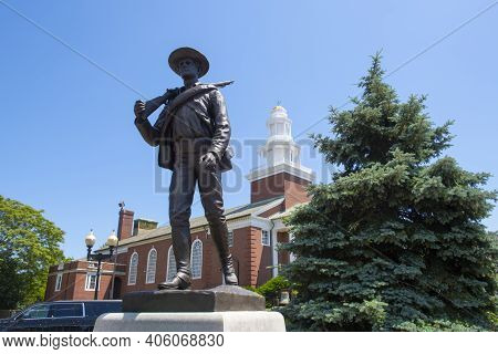 Winthrop Revolutionary War Memorial Monument At Metcalf Square In Historic Center Of Winthrop, Massa