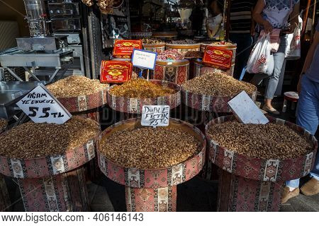 Gaziantep, Turkey - October 6, 2020: This Is One Of The Walnut And Spice Stalls Of The East.