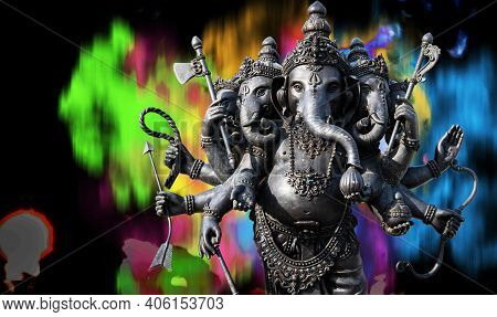 Ganesha Black Has An Old Power In A Religious Place That Is Separated Smoky Colors From Behind The P