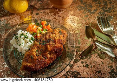 Southern Fried Chicken Cutlets With Mashed Potatoes And Vegetables