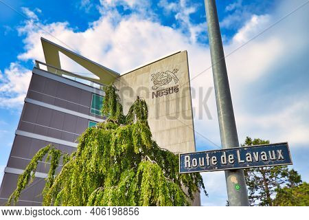 Vevey, Switzerland - August 14, 2020: Nestle Headquarter And Logo In Route De Lavaux. Nestle Is Larg