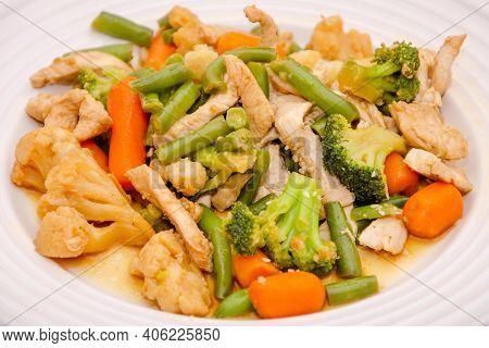 Stir Fry Chicken & Vegetables. Stirfry Chicken Vegetables Meal, Food For Dinner. Vegetables - Green