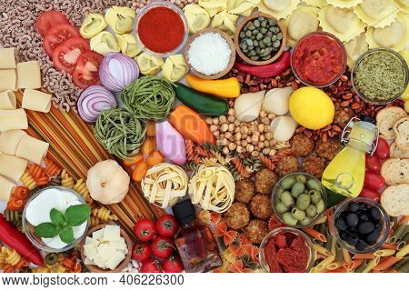 Clean eating flexitarian Mediterranean diet with a large collection of foods. Low cholesterol food for a healthy life. High in antioxidants, dietary fibre, omega 3, protein, lycopene and vitamins.