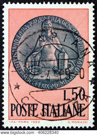 Italy - Circa 1969: A Stamp Printed In Italy Shows Memorial Medal, Centenary Of The State Audit Bure