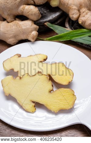 Fresh Organic Ginger Rhizome Root Used In Traditional Medicines And For Flavoring Meals, Drinks Worl