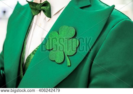St. Patrick's Day Celebration Clover Template, Green Clover Mockup On Suit. Clover For Luck