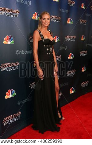 NEW YORK-SEP 16: Heidi Klum attends the America's Got Talent Season 10 Finale taping at Radio City Music Hall on on September 16, 2015 in New York City.