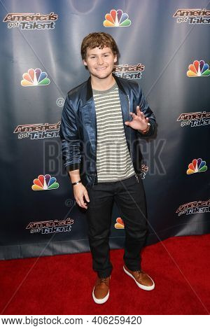 NEW YORK-SEP 16: Comedian Drew Lynch attends the America's Got Talent Season 10 Finale taping at Radio City Music Hall on on September 16, 2015 in New York City.