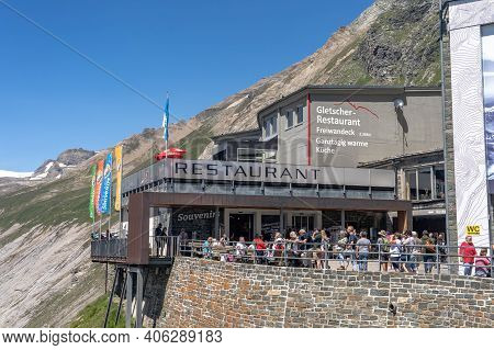 Grossglockner, Austria - Aug 8, 2020: Tourists Admire Grossglockner Summit At Kaiser-franz-josefs-ho