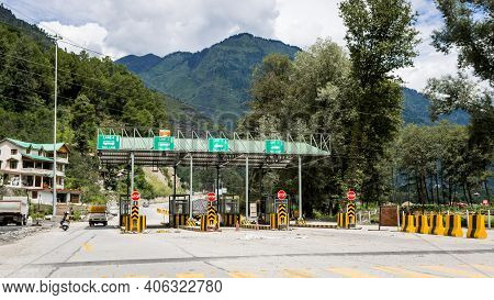 Manali, Himachal Pradesh - Aug 11, 2019 - A Picture Of Newly Constructed Toll Plaza On A National Hi