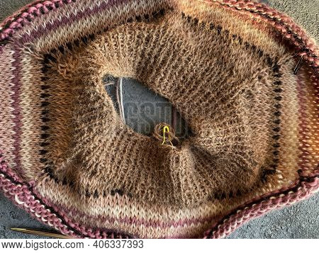 Fragment Process Of Warm Striped Raglan Sweater