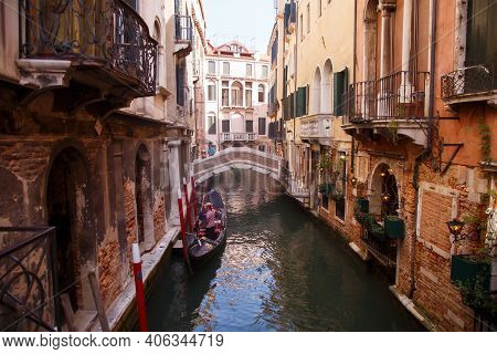 Venice, Italia - September 2020: Cozy Canals Of Venice, City On The Water, Restaurant On The Water