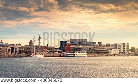 Port Adelaide, Australia - December 8, 2018: Iconic Port Adelaide Lighthouse With Dolphin Explorer B