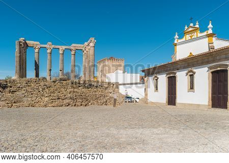 Architectural Detail Of The Roman Temple Of Evora In Portugal Or Temple Of Diana. It Is A Unesco Wor