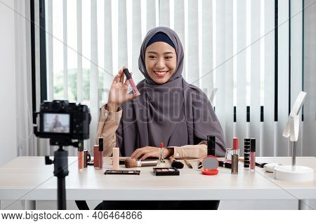Muslim Women Making Video Beauty Vlogger Bloggers Doing A Cosmetic Makeup Tutorial Vlog With Brushes